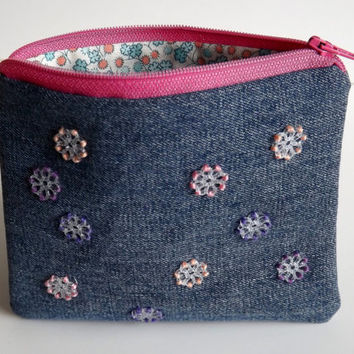 Zippered Vintage Flower Bead Coin Purse