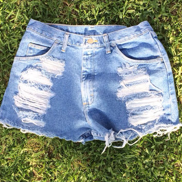 High Waisted light wash wrangler Shorts