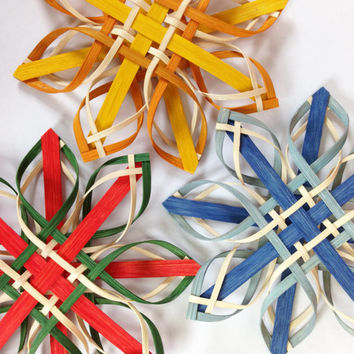 Choose your colors - Sm Plaid Woodland Woven Star Ornament Scandinavian Christmas Decoration