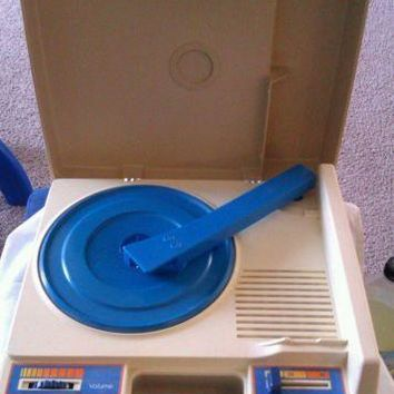 VINTAGE 1978 FISHER PRICE PORTABLE ELECTRIC RECORD PLAYER 825 WORKS!!