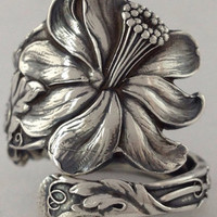 Size 10.5 Vintage Sterling Silver Columbine Flower Spoon Ring