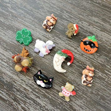 Vintage Lot of Holiday Pins, Gibson Greetings, Christmas Thanksgiving, Shamrock, Valentines Halloween, Easter, Mouse Pin, Santa Clause, Xmas