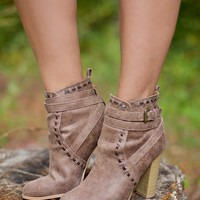 Life On The Edge Booties: Milk Chocolate