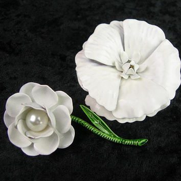 Two White Enameled Metal Flower Brooches, Vintage 1960s Era, All White Spring and Summer Jewelry, Bridal Wedding, Collectible, Easter Gift