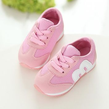 2017 popular fashionable spring and autumn breathable children's school N letter Shoes Boys leisure girl running net cloth M let