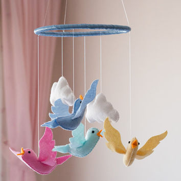 Bird Baby Mobile, Bird Nursery Mobile, Felt Bird Nursery Mobile, Bird Crib Mobile, Bird Nursery Decor, Rainbow Bird Mobile, Colorful Mobile