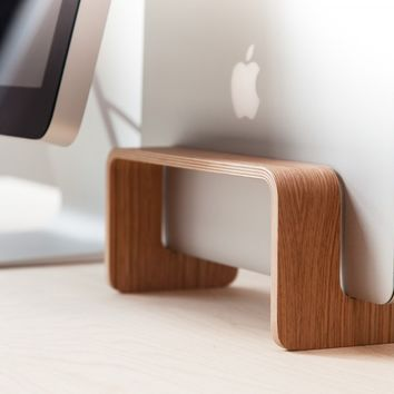 A Vertical MacBook Stand • Nordic Appeal