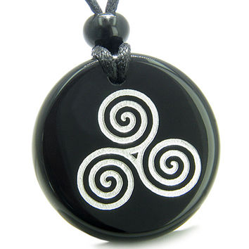 Amulet Triple Spiral of Life Magic Celtic Goddess Black Agate Pendant Necklace