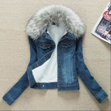 Trendy Winter Fur Collar Denim Jackets Plus Velvet Warm Fur Collar Outerwear Women Cashmere Cotton Coat Girl Fashion Denim Jackets AT_94_13