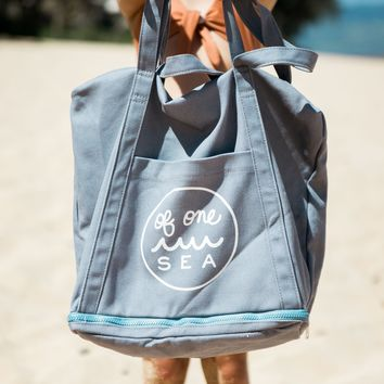 The No Sand Tote in Blue Tidepool