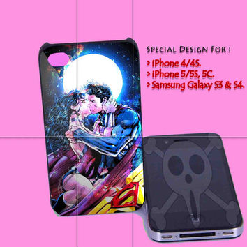 Superman and Wonder Woman Romantic for iPhone 4/4S Case, iPhone 5/5S, 5C Case - Samsung Galaxy S3 i9300, S4 i9500 Case.