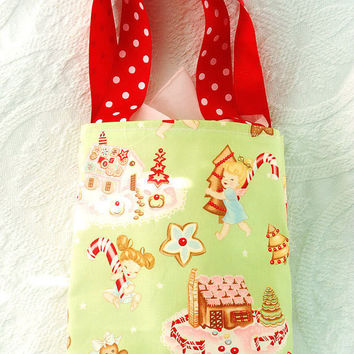 Holiday Reusable Gift Tote Bag in Vintage by BoutiqueVintage72
