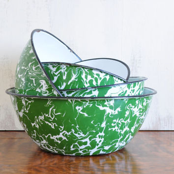 Vintge Graniteware Nesting Bowls, Spatterware, Green and White Enamelware, Marbled Metal Bowls