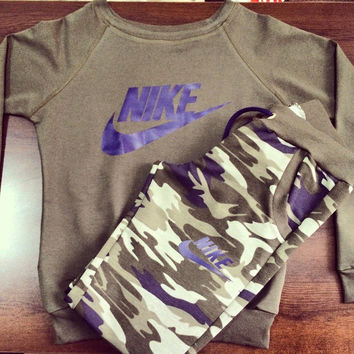 Nike Fashion Camouflage Sport Gym Set Two-Piece Top Pants Sportswear