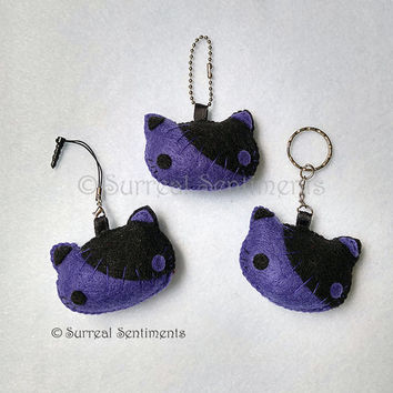Creepy cute Felt Keychain, Dark Purple Stitch Kitty Felt Plushie Chain, Kawaii Goth Keychain, Steampunk Goth Cat, Kawaii Cat, Punk Girl