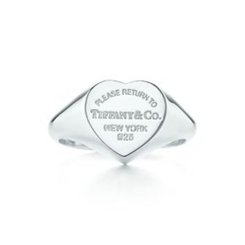 Tiffany & Co. -  Return to Tiffany™ heart signet ring in sterling silver, small.