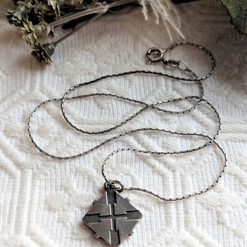 Retired James Avery Rare Sterling Silver Square Cross Pendant Necklace