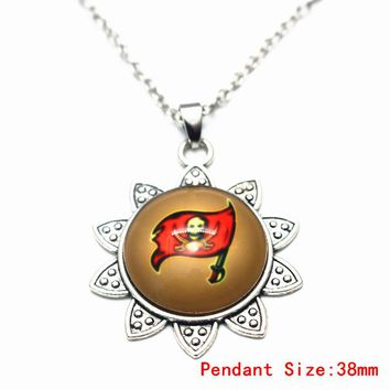 3pcs/lot Silver Tampa Bay Buccaneers Pendant Necklace Christmas Snowflake Chains Necklace For Football Fans Necklace Jewelry