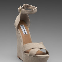 Steve Madden Xenon Wedge in Bone
