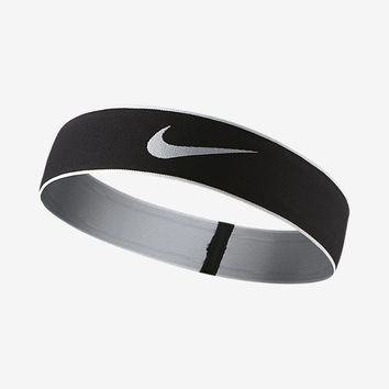 The NIKE PRO SWOOSH HEADBAND 2.0.