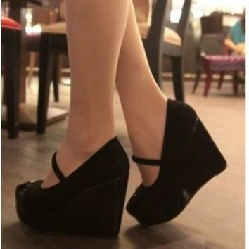 Wholesale Korea versions fashion new style elegant temperament wedge heeled ladyâ??s boots SY-11611 black - Lovely Fashion