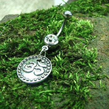 Belly button ring: Om