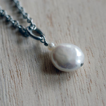 White circle freshwater pearl pendant with solid stainless steel chain , white coin pearl necklace , white freshwater pearl drop pendant
