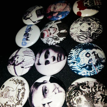 12 one inch Grimes buttonpins set