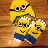 Minion hat and mittens set