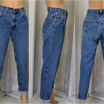 Vintage Levis 550 jeans / 28 X 30 size 5 / 6 / high waisted / relaxed  tapered / mom jeans