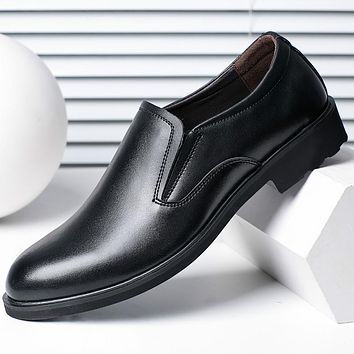 2017 Male Genuine Leather Man Shoes Round Toe Business Formal Shoes Breathable Man Fashion Foot Wrapping Black Shoe Flats