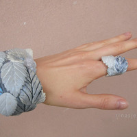 Polymer clay Leaves cuff bracelet and ring Leaf statement bracelet and ring jewelry Grey leaves jewelry Grey white bracelet and ring for her