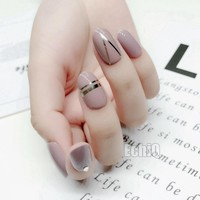 28Pcs Shiny Fake Nails Light Brown Acrylic False Nails DIY Nail Art Silver Lines Full Cover Tips Manicure Products Z708