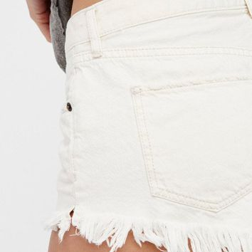 Soft & Worn Relaxed Cut Off Shorts | Worn White | Free People – The Freedom State