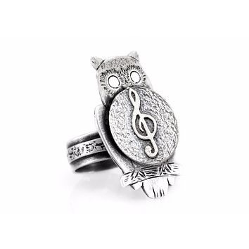 coin ring with the Treble Clef coin medallion on owl musical ring ahuva coin jewelry