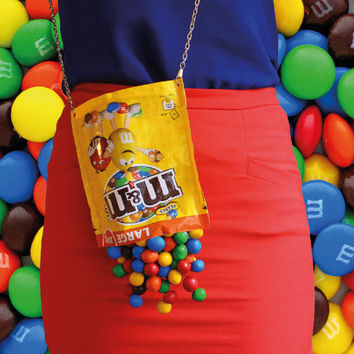 M&MS Chocolate Choco Clutch Bag Purse Peanut Fun Color Playful Accessoires Jewelry