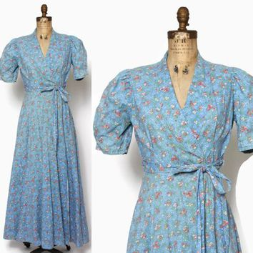 Vintage 40s DRESSING GOWN / 1940s Blue Floral Cotton Puff Sleeve Belted Robe