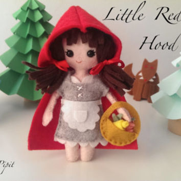 Little Red Riding Hood Felt Doll and Big Brown Wolf with Big White Teeth. Brothers Grimm Fairytale. Kids Nursery Decor. Gift in a Box.