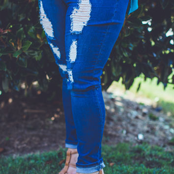PLUS SIZE: Distressed Jeans in Dark Denim