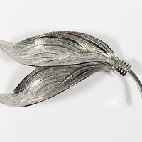 Designer Signed Wells Ster Leaves Pin, Etched Silver Tone Double Leaf Brooch, Vintage Mid Century 1950s 1960s 1970s