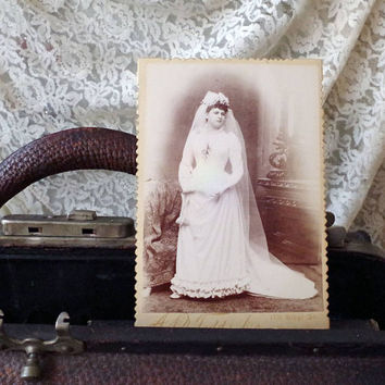 Cabinet Card Antique Photo Beautiful Bright - 1800s Photo Girl in her Wedding Gown