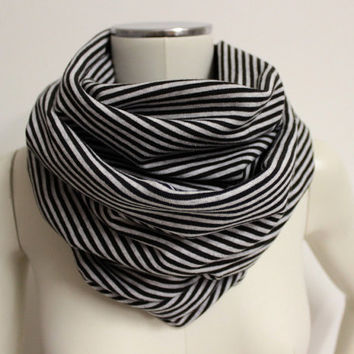 Reversible Infinity Scarf, Black White Cowl, Striped Circle Scarf, Cotton Loop Scarf, Black Striped Snood,Jersey Cowl Scarf,Eternity Scarf,