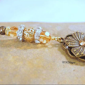 Crystal and Brass Flower Keychain. Brass and Glass Beaded Keyring. Gift For Her, OOAK Handmade Keychain. CKDesigns.US