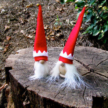 Swedish Tomte Couple in Red and White / Swedish Tomte Wedding Toppers - CUSTOM ORDERS available. Handmade by studioLISE.