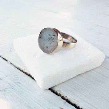 Druzy Greyed White Agate Ring, Statement Ring, OOAK Gemstone Ring, Sterling Silver Jewelry, Minimalist Ring, Sparkly jewelry, Size 7