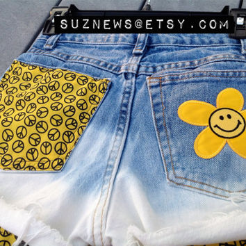 Daisy Smiley Face High Waisted Shorts Peace Sign Happy Face 90's Yellow Dip Dyed  Waist 25 Flower Power //SUZNEWS ETSY STORE//