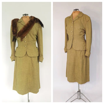 Vintage 1940s Suit Travel Suit Blazer Jacket Pencil Skirt Two Piece Set Sage Green Wool 40s Vogue Fall Outfit Classic 1940's Women's Suit