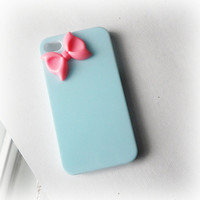 Pastel blue iPhone 4 case with pink color bow