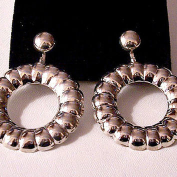 Ribbed Puffed Lined Hoops Clip On Earrings Silver Tone Vintage Long Large Open Ring Door Knockers Round Domed Bead