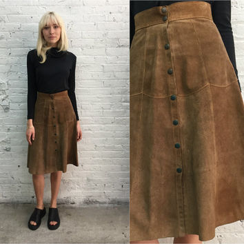 vintage 70s light brown suede snap front skirt / high waist button up suede skirt / high waisted button front suede skirt